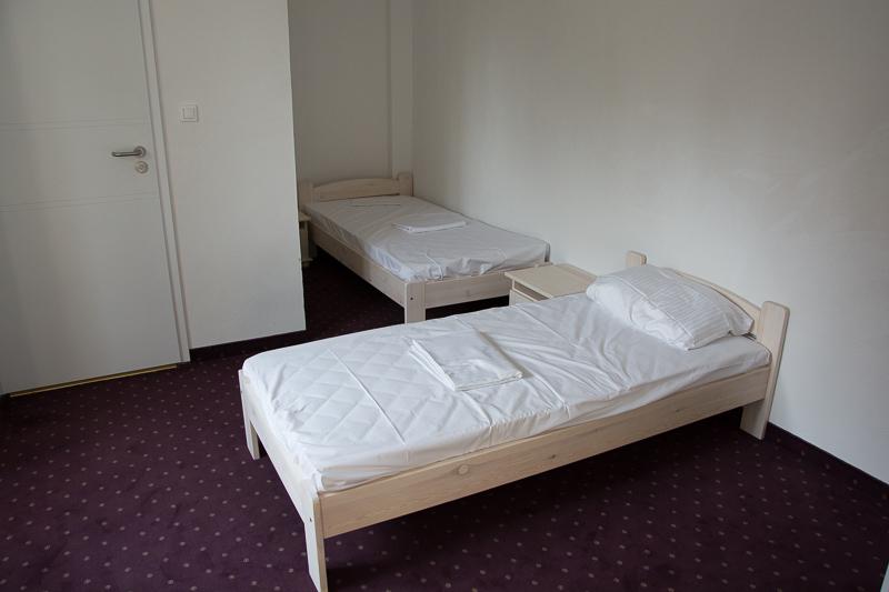 http://charzykowypokoje.pl/wp-content/uploads/2015/08/willa_emilia_charzykowy-pokoje-apartamenty-11.jpg