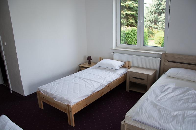 http://charzykowypokoje.pl/wp-content/uploads/2015/08/willa_emilia_charzykowy-pokoje-apartamenty-3.jpg